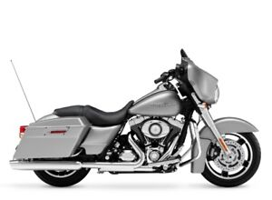 FLHX STREETGLIDE 2009 COMME NEUF seulement 9335 km