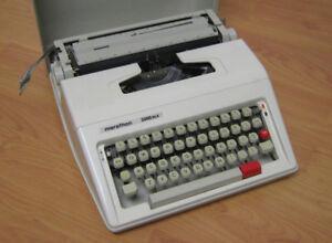 Manual typewriter, Marathon 2000DLX