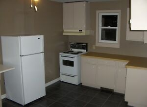 2 bedroom apartment in house available for mar 01