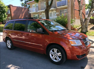 Dodge Grand Caravan SXT full option