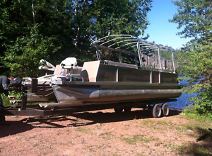 28 foot pontoon