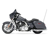 Looking for Harley  (flhx)Street Glide