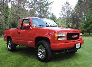 1994 GMC Sierra 1500 GT Pickup Truck