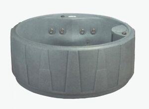 Hot Tub AR 200 4-Person Plug-N-Play Sp