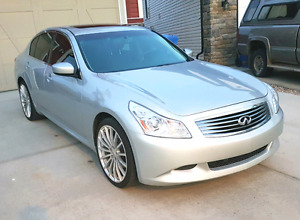 2009 Infiniti G37xS with Nav and tech, 2 sets of wheels.  Low KM