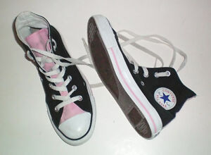 Converse All Star Black and Pink High Top Shoes Size 7.5 Womens London Ontario image 2