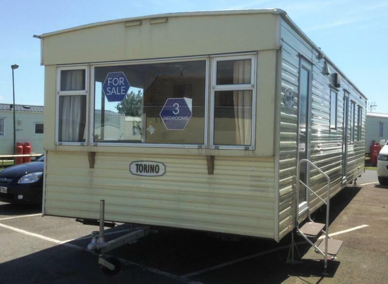 Static Caravan Nr Clacton-on-Sea Essex 3 Bedrooms 6 Berth Cosalt Torino 2008