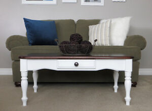 Beautiful Coffee Table - Perfect for Your Home REDUCED