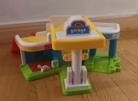 Happyland garage and zoo toys