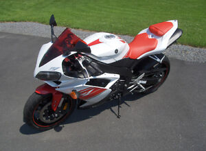 Deal ! Yamaha YZF-R1 2008 ((5600km)) FLAMBANT NEUF 1 TAXE (400$)