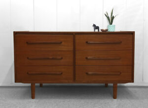 Vintage Teak Sideboard / Entertainment Unit
