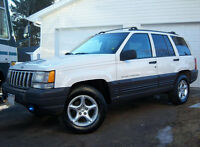 Jeep Grand Cherokee - loaded, rust free, great condition LQQK!
