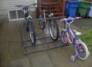 support a vélos neuf en acier tres stable