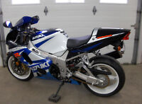 Suzuki gsxr 1000 2001.Bike de collection *8100 km* Pas de taxe