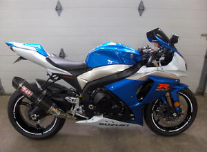 Suzuki gsxr 1000 Showroom Pestige! 1 taxe =450$. Impeccable!!!!!