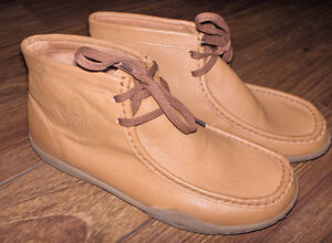 ROOTS mens shoe/boot - never been worn-AWESOME PRICE!!!