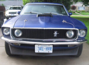 Beautiful 1969 Ford Mustang 351 Crate Engine for Maserati PLUS $