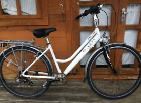 "Dutch style united earth city town Hybrid bike. 18"" frame. 700cc"