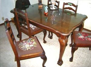 Vintage Dining Room Table, Six Chairs AND Extension Table