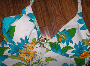 women's size 8,  2 piece swimming suit - never worn