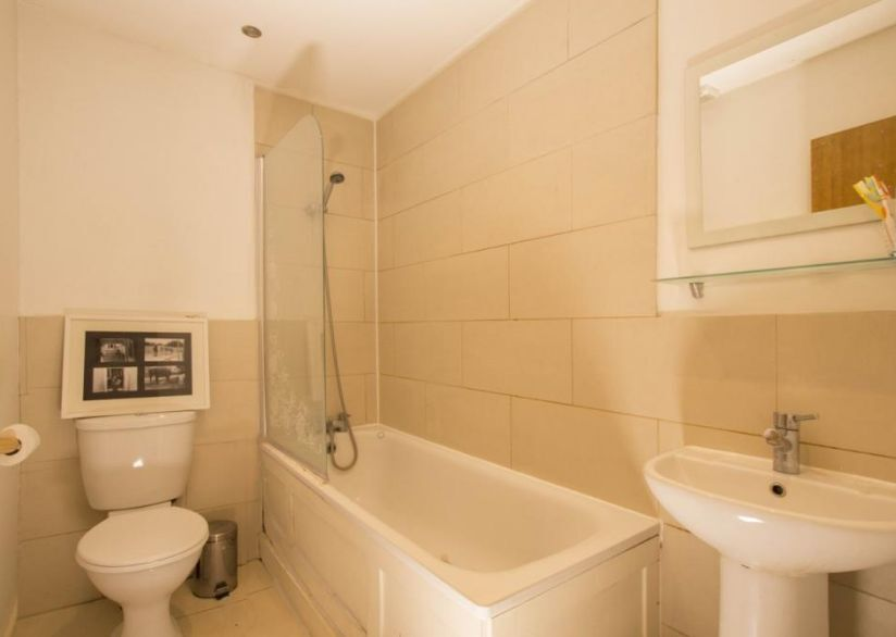 Large 3 Bed Flat - Brixton