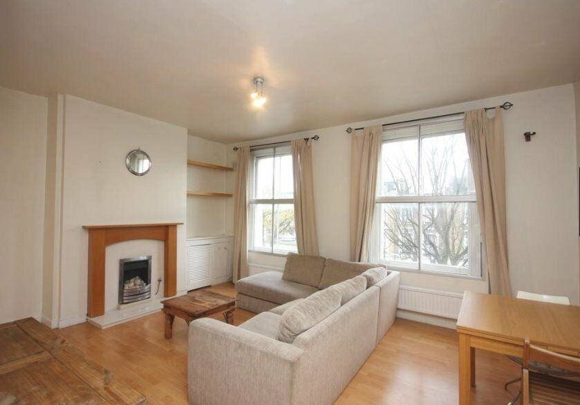 Bright and Spacious two bedroom apartment within prime Holloway - Available Now