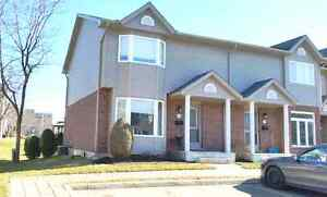 North London 3 Bedroom End Unit Condo Backing onto Park