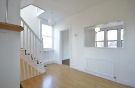 LARGE SPLIT LEVEL - 2 BED - MORNING LANE - FASHION DISTRICT - PETS WELCOME