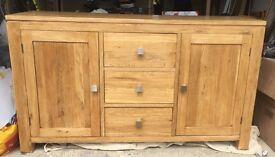 Oak unit / sideboard / cabinet