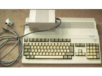 'Commodore Amiga A-500 Plus' retro computer with Power Supply for Spares and Repairs