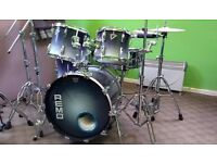 Remo MasterEdge fusion drum kit with hardware and cymbals