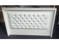 RECEPTION DESK IN WHITE MATT WITH PADDED FRONT /Ref: 0424
