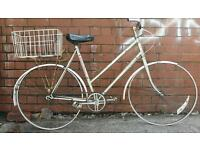 Bargain!! Spares/repairs Ladies malboro classic 22 inch frame 26 inch wheels 3 speed vintage bike