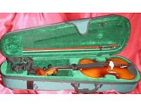 Antoni 'Debut' ACV31 Three Quarter Violin Outfit with P&H Fiberglass Bow.