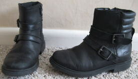 Girls Shoes, Boots, Trainers, Slippers and more, sizes 5 - 2, 50p - £5