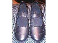 black ladies/girls shoes new(no box)