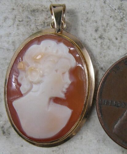 Vintage 14K Solid Gold Cameo Pendant Italy
