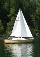22 ft. MacGregor sailboat & trailer
