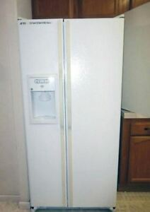 GE White Double Door Refrigerator - French