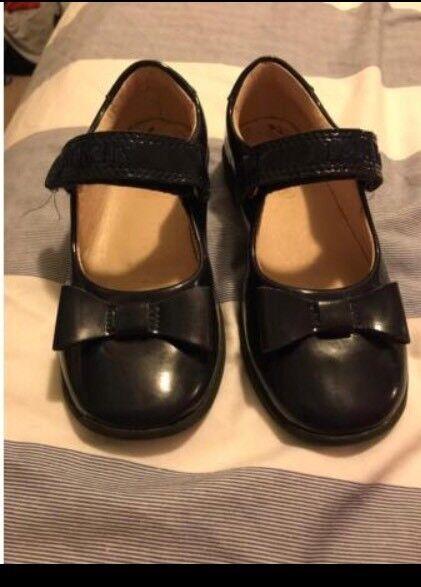 Girls lelli Kelly navy patent leather shoes