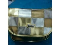 Women's cross body glamorous bag in gold and silver