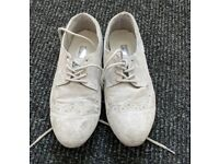 Womens Shoes - Size 4