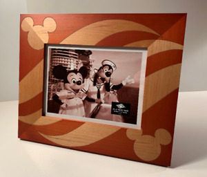Mint Condition (New)- DISNEY Wood Picture Frame