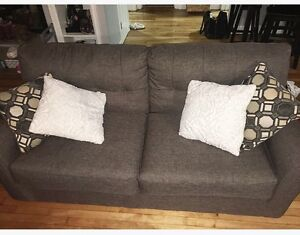 GREY COUCH FOR SALE!