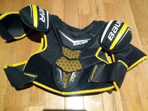 Bauer Supreme 170 Shoulder Pads - Senior SM - great condition