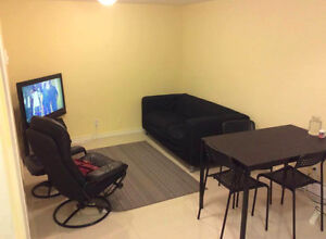 1 ROOM in a 3 bedroom apartment