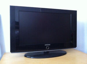 "Selling a 26"" SAMSUNG HD TV!"