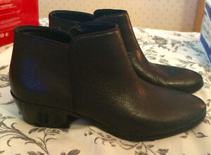 """PRICE REDUCED!   Sam Edelman """"Petty""""  Leather Booties, Size 9.5"""