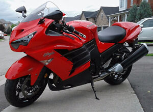 2013 Kawasaki Ninja  ZX14R  7000 km ABS  KTRAC  Mint