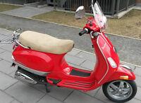 Scooter Vespa LX 50 bien équippé